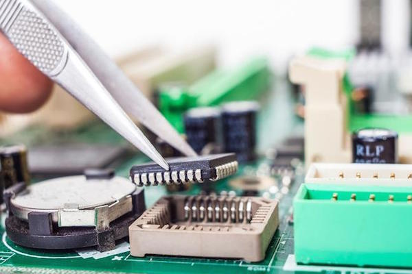 THE RIGHT TO REPAIR BILL: WHAT YOU NEED TO KNOW & WHY APPLE IS FIGHTING IT