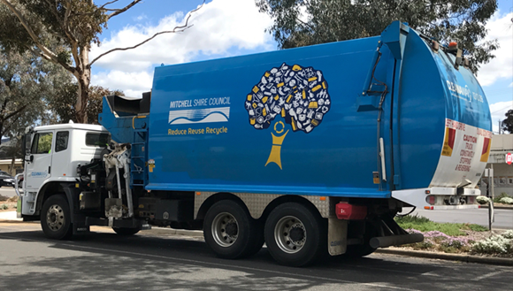 Kerbside collection truck