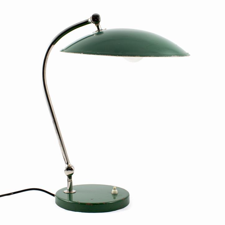 Bordlampe i grønlakeret metal