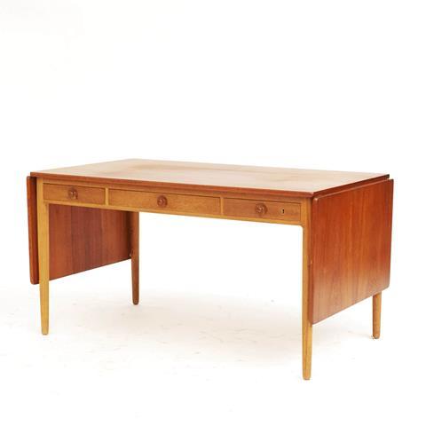 Wegner skrivebord