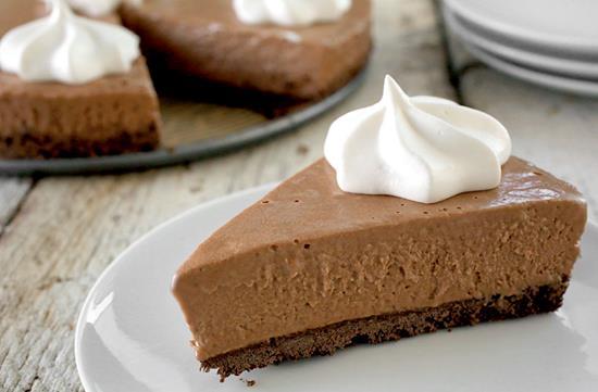 Chocolate hazelnut pudding pie