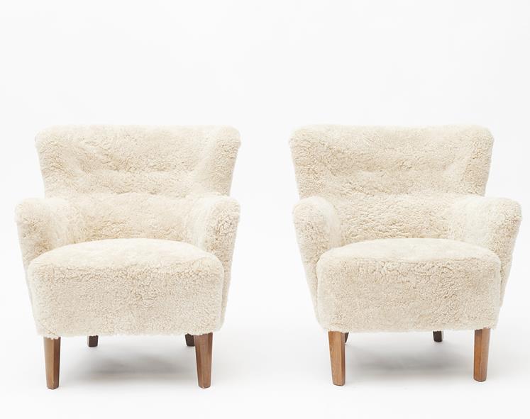 Par easy chairs