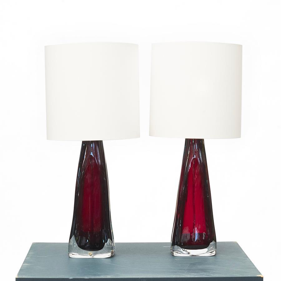 Par røde Orefors glaslamper