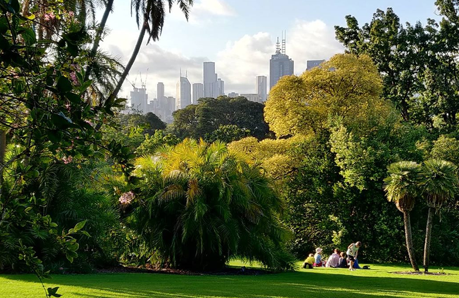 Melbourne Gardens will be closing at 7:30 pm from now until the end of March.