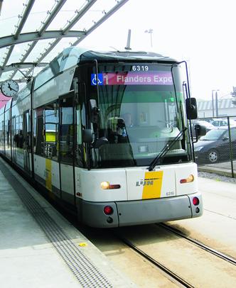 Pendelbussen springen in voor tramlijnen 1 & 4