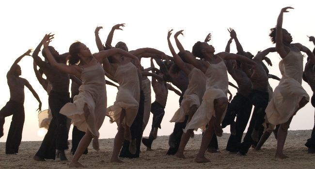 Dancing at Dusk - A Moment with Pina Bausch's The Rite of Spring image Florian Heinzen-Ziob
