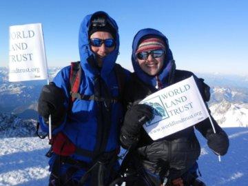 Jim and Charlotte Gabbitas at the summit of Mont Blanc. © Charlotte Gabbitas.