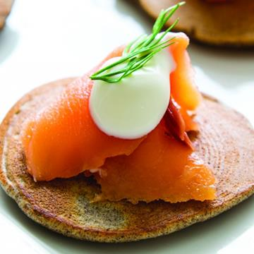 Smoked salmon on a cracker