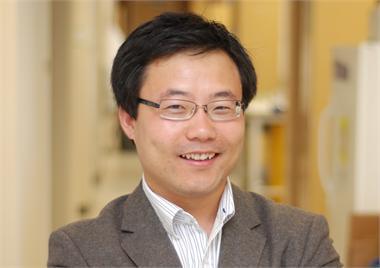 Weian Zhao smiling