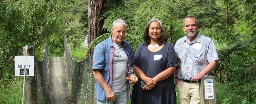 Dr Gordon Hosking with Ric Cullinane and Raewyn Tipene