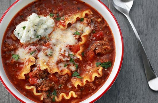 Hearty lasagna soup