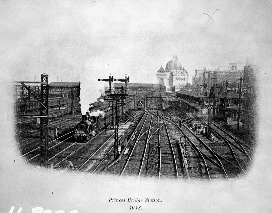 1918 PRINCES BRIDGE STATION COPY  H 3979 BW VPRS 12800